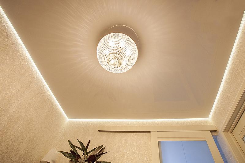 Парящие натяжные потолки с подсветкой 2