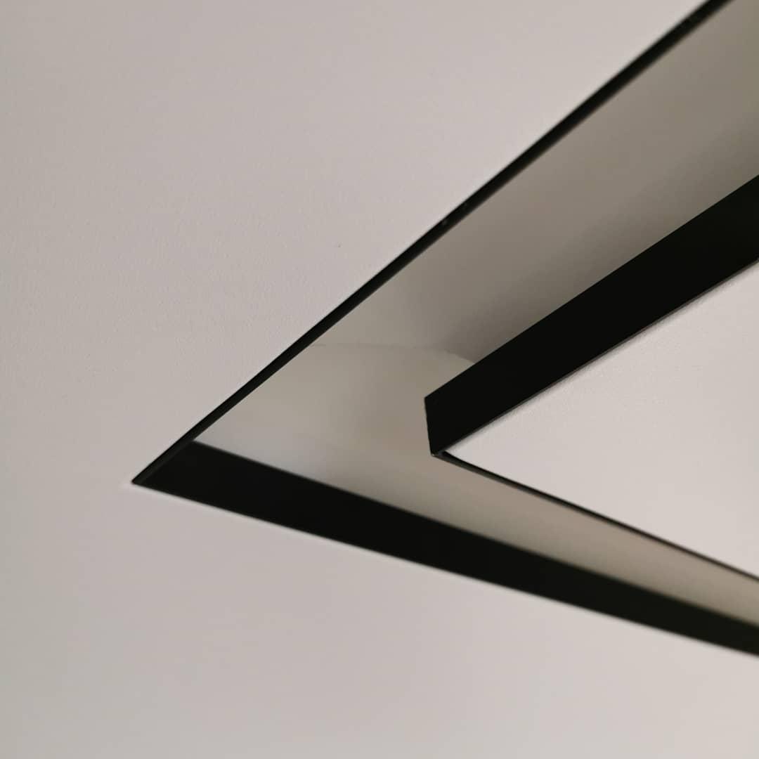 Нишевые световые линии Slott Слот натяжные потолки